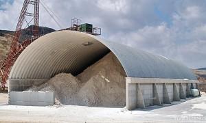 Samonośne hale łukowe - prefabrykowane hale łukowe jako dach na żelbetowych ścianach