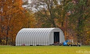 Galeria hal - Stalowe hale łukowe - hala łukowa wykorzystana jako łukowy magazyn, warsztat i garaż. Proste ściany i łukowy dach.