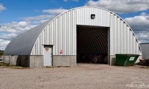 Galeria samonośnych hal łukowych. Stalowe hale łukowe z alucynku (aluzinc) - hala łukowa jako warsztat, łukowy garaż na maszyny budowlane.