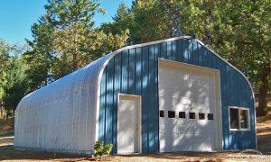 Galeria hal łukowych. Stalowe hale łukowe typu D - lekka hala łukowa jako przydomowy wolnostojący garaż.