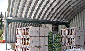 galeria hal łukowych. Prefabrykowane stalowe hale łukowe - lekka hala łukowa, jako dach wiaty dwunawowej wsparty na konstrukcji HEB.