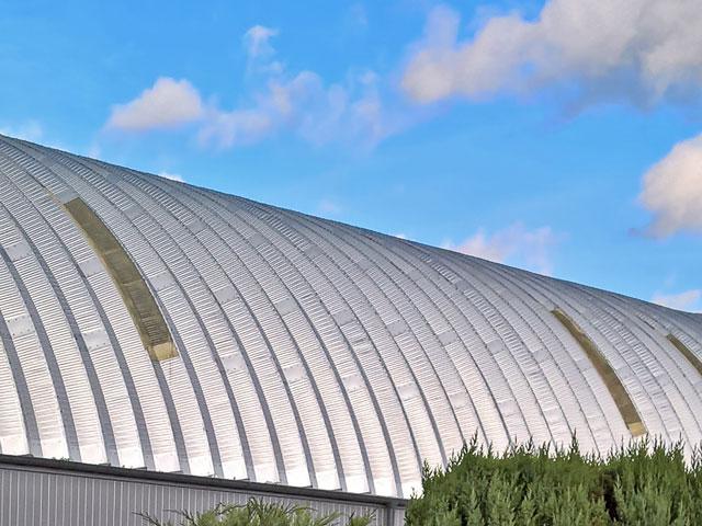 Prefabrykowane hale łukowe - akcesoria każdej hali łukowej: doświetla kompozytowe łuków hal łukowych.