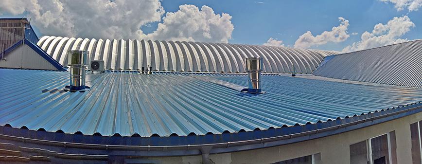 Samonośne hale łukowe - prefabrykowana stalowa hala łukowa jako część budynku - dach łukowy.